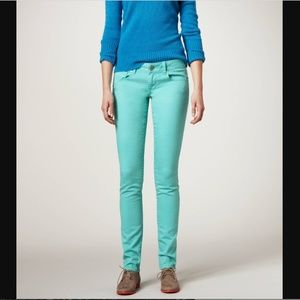 AEO | Size 4. Mint Green Stretch Skinny Jeans